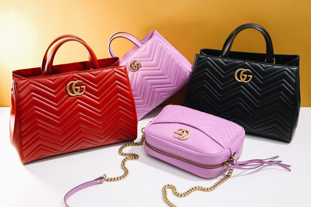0a32ec4ad715 On this site you can buy great items such as Gucci women handbags